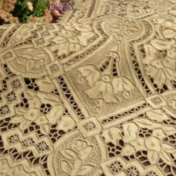 Vintage wedding Heavy Embroidery NeedleLace Table Runner Center piece Ecru